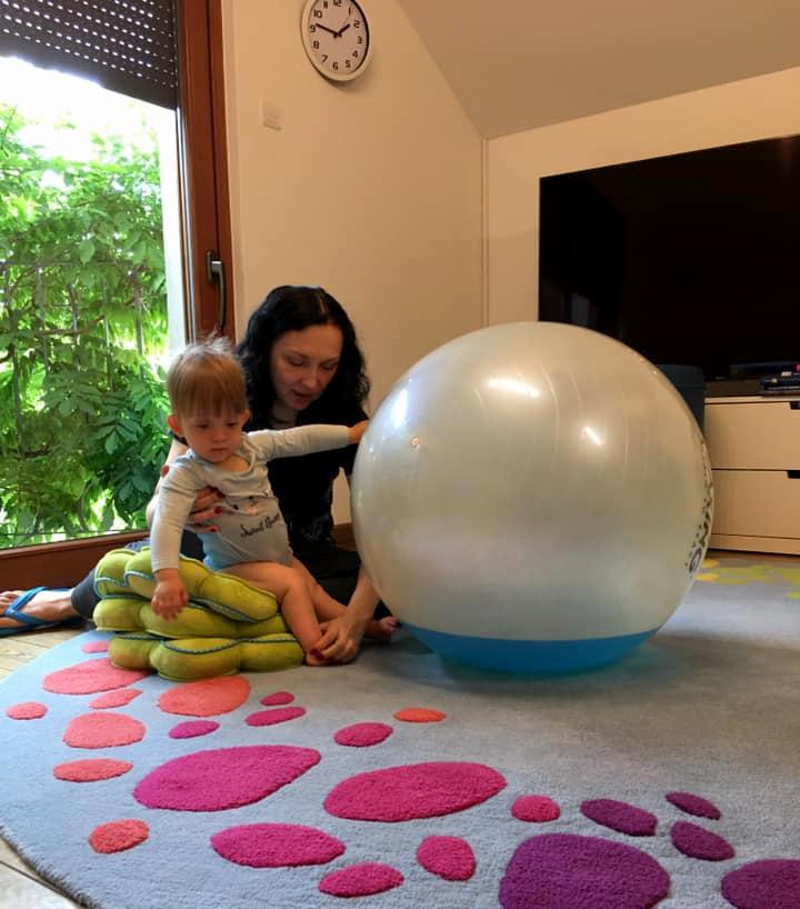 Fluiball 65cm Pilka Dynamiczna Do Cwiczen Z Dziecmi
